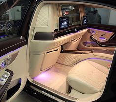 Pin by Ellasibbhil on Cars Jets Privés De Luxe, Jet Privé, Rich Cars, Inside Car, Lux Cars, Top Luxury Cars, Mercedes Car, Fancy Cars, Expensive Cars