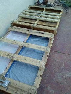 Gardening with pallets. Lined with dog food bags Step 1