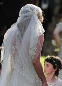 Kate Moss Chic Vintage Veil perfection!