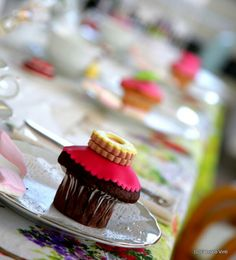 Kitchen tea: cup cakes