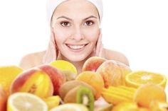 Beleza: O poder das frutas nas máscaras faciais caseiras Esteticista naturopata dá sugestões para preparar em casa Que um suco de fruta faz bem para a pele e até ajuda na dieta, todo mundo já sabe. O que muitas pessoas desconhecem é que esses alimentos podem fazer milagres em tratamentos estéticos. Prova disso é a […]