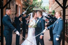 A fully focused military blog that will share photos from military couple engagements, weddings, homecomings and babies.
