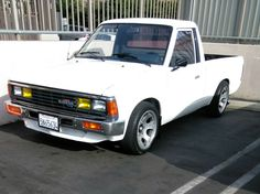 Nissan Vans, Nissan Trucks, Pick Up Nissan, Datsun Car, Mini Trucks, All Cars, Jdm, Cars And Motorcycles, Dream Cars