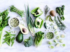 Ein ausgeglichener Hormonspiegel ist für die Gesundheit unverzichtbar. Und der lässt sich zum Glück durch die richtige Ernährung erreichen. Die folgenden sieben Lebensmittel und Tipps sollen dabei helfen.