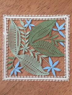 Diy And Crafts, Arts And Crafts, Bruges Lace, Romanian Lace, Bobbin Lace Patterns, Lace Heart, Point Lace, Lace Jewelry, Needle Lace