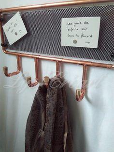 Porte-manteaux en cuivre et panneau magnétique