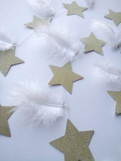 Γιρλάντα με αστέρια σε χρυσό χρώμα και κρεμαστά φτερά σε λευκό χρώμα ! Τα αστέρια είναι ραμμένα οριζόντια και μένουν σταθερά! Τα φτερά έχουν και τις δύο κατευθυνσεις και δίνουν κίνηση!♥ το συνολικό μήκος της είναι 1,50 cm συν το σχοινάκι αριστερά δεξιά .'Εχει15 αστέρια και 14 φτερά 9,5 cm Boy Room, Our Love, Children, Boys, Young Children, Baby Boys, Kids, Senior Boys, Sons
