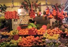 markets: more farmers, less super(La Boqueria, Barcelona) www.gold-boat.com