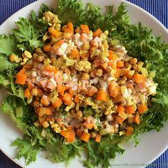 Orangen-Hühnerhack-Pfanne mit Möhren, Fenchel und Kichererbsen auf Salat | Chili und Ciabatta