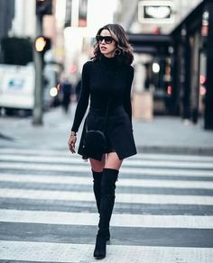All black ensembles Winter chic style.GQ - All black ensembles Winter chic style. Fashion Mode, Star Fashion, Look Fashion, Trendy Fashion, Autumn Fashion, Fashion Trends, Fashion Ideas, Latest Fashion, Street Fashion