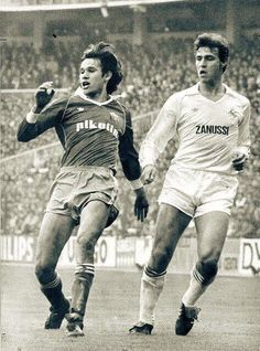 Real Madrid, Real Zaragoza, Club, Nostalgia, Baseball Cards, Yellow Girl Nurseries, Football Team, Sports, Devil