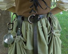 O-ring belt, O-ring Skirt Hikes and Tankard Strap. From FolkOfTheWood O-ring belt, O-ring Skirt Hikes and Tankard Strap. From FolkOfTheWood Renaissance Fair Costume, Medieval Costume, Renaissance Clothing, Steampunk Costume, Steampunk Fashion, Renaissance Skirt, Larp, Fairy Clothes, Fashion Design
