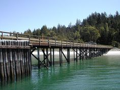 the dock to get on and off savary. Strawberry Place, Little Island, Sunshine Coast, Travel Goals, Best Memories, My Happy Place, Where To Go, Darkness, Places To Visit