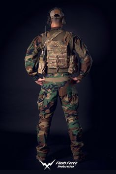 2016 Version Features: Major built material: - Woodland M81 CAMO NYCO RIPSTOP FABRIC - Shirt Body Fire-Retardant Fabric - X Series SPANDEX STRETCH - MIL-SPEC VELCRO - YKK Zipper