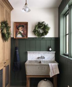 Looking for inspiration to decorate your laundry room in style? Here are 100 fabulous laundry room decor ideas that will set you on the right path. Bathroom Inspiration, Interior Inspiration, Style Deco, Laundry Room Design, Laundry Room Utility Sink, Laundry Tubs, Laundry Decor, Laundry Area, Room Decor