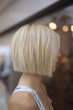 18 Bob Hairstyles for Fine Hair - Frisuren - Cheveux Thin Hair Cuts, Bobs For Thin Hair, Short Thin Hair, Short Cuts, Short Blunt Bob, Blunt Cuts, Blonder Bob, Bob Hairstyles For Fine Hair, Medium Hairstyles