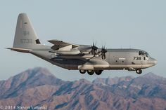 Lockheed Martin KC-130J Super Hercules Kc 130, C130 Hercules, Us Military Aircraft, Military Pictures, Aircraft Pictures, Aviation Art, Marine Corps, Fighter Jets, Air Force