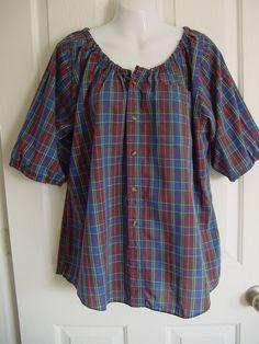 Upcycled von Herren Hemden sind diese bäuerlichen Stil Blusen, super bequem und ideal für alle Arten von Verschleiß! Die Messung gegeben ist die eigentliche Messung um die Brust, für die beste Passform, empfehle ich ein Hemd tragen Sie Mess- und Hinzufügen von wenigstens 4 zu dieser Messung. Elastischen Ausschnitt und Ärmel, die natürliche Schnitt des ursprünglichen Shirts noch existiert. Dieses besondere Shirt misst 52 und Ellbogen Ärmel hat. Die Schulter bis zum äußersten Punkt misst 31.