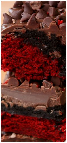 The original recipe for Red Velvet Oreo Truffle Brownie Bars! Decadent red velvet brownies topped with a layer of Oreo truffle and more! Oreo Truffle Brownies, Cookie Brownie Bars, Oreo Truffles, Brownie Cake, Best Dessert Recipes, Sweet Desserts, Delicious Desserts, Amazing Recipes, Yummy Treats
