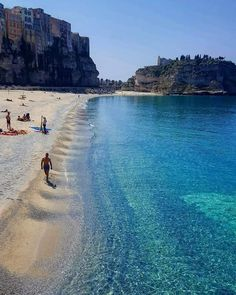 Summer paradise 🌊 Courtesy of Admins: 📍Tropea, Italy 🇮🇹 Tag your best travel photos with 🌌 Good Deeds Good Vibes 🌌. Italy Map, Italy Travel, Tropea Italy, Places To Travel, Places To See, Costa, Destinations, Beach Place, Summer Paradise