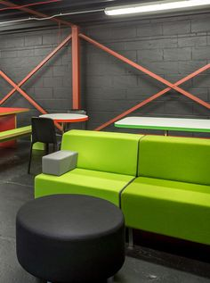 Green Modular Sofa At The New Eist Showroom School Furniture Office