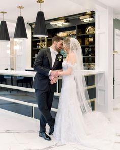 📸 @watersedgecenterport #wedding #weddingparty #weddingfavors #weddingideas #weddingstyle #weddingdesign #weddingdiaries #weddingtrends #weddingplanners #brides #weddingfashion