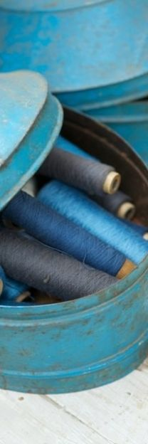 fil de couture bleu