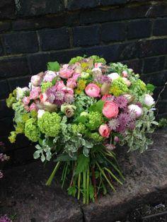 Moyses Stevens Flowers - A bit of vintage - Peonies & Ranonculus