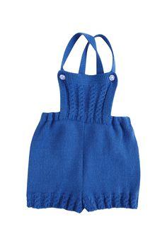 Ranita en lana o hilo ideal para bebes. Botones de nácar. Hecho a mano en España.