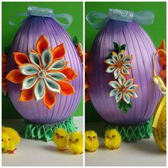 Jajko pomarańczowo-jasnoniebiesko