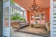Spend The Night In Elizabeth Taylor's Palm Spring Home