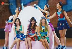SNSD at Love & Peace Concert in Osaka