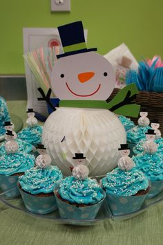 Snowman Birthday Party  - Cupcakes