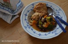 milchmädchen: Winteressen, welcome back: Malted Mushroom Pot Pie with Yeasted Biscuits
