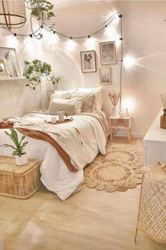 Cute Bedroom Decor, Small Room Bedroom, Room Ideas Bedroom, Boho Teen Bedroom, Bedroom Ideas For Small Rooms Cozy, Dream Bedroom, Tumblr Bedroom, Cute Spare Room Ideas, Bedroom Wall