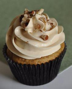 pumpkin pecan cupcakes with vanilla rum buttercream frosting