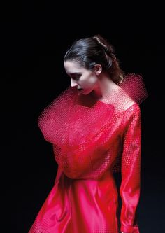3D Weaving Blurs the Lines Between Fashion and Sculpture | The Creators Project