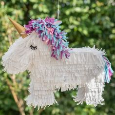 DIY - Einhorn Pinata für den Kindergeburtstag Handmade Toys, Fairy, Christmas Ornaments, Sewing, Holiday Decor, Birthday, Things To Sell, Beton Diy, Llamas