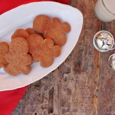 Low Carb Gingerbread Cookies, gingerbread cookies, gluten free gingerbread, healthy gingerbread, paleo gingerbread, yacon syrup, ketogenic gingerbread,