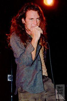 Pearl-Jam-1991-09-30_13