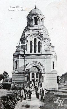 Cerkiew św. Mikołaja Cudotwórcy w Łukowie. Karta pocztowa. Przed wejściem grupa Austriackich żołnierzy. Około 1916 r.