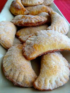 Dessert Empanadas - This recipe looks so easy. Going to have to make these.