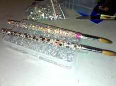 How to choose your fake nails? - My Nails Bling Acrylic Nails, Acrylic Nail Brush, Acrylic Nail Powder, Simple Acrylic Nails, Acrylic Brushes, Nail Brushes, Bling Nails, Fancy Nails, Makeup Brushes
