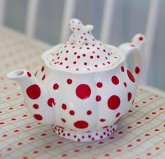. White with various sizes of RED POLKA DOTS Teapot