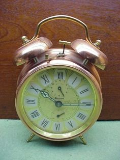 Bulova-Copper-Alarm-Clock-Back-to-the-Future-Movie-Prop-BTTF-Working-Condition