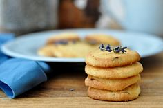 Levandulové sušenky - Kitchen story Pancakes, Pie, Cookies, Breakfast, Desserts, Food, Torte, Crack Crackers, Morning Coffee