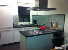 wandtegels 15x15 | piet zwart keuken | tinglazuur | mooie nuances | mozaiek Utrecht | verkrijgbaar groen | grijs | geel | blauw en felrode accenten geel oranje
