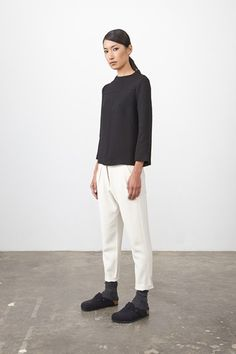 See all the Collection photos from Studio Nicholson Autumn/Winter 2014 Pre-Fall now on British Vogue Fall Capsule Wardrobe, Work Wardrobe, Modern Outfits, Cool Outfits, Socks Outfit, Birkenstock Style, Birkenstock Boston, Studio Nicholson, Fashion Capsule