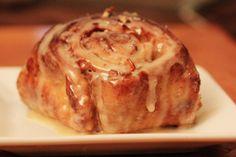 apple pecan cinnamon rolls more apple cinnamon cinnamon rollsssss ...