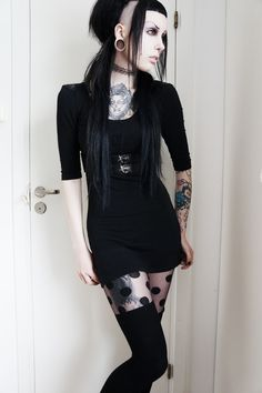† Nu Goth Fashion † Love the OUTFIT!